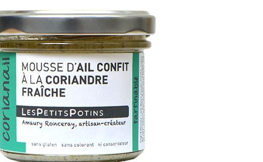 Mousse de ajo confitado con cilantro fresco y pimiento verde - Les Petits Potins