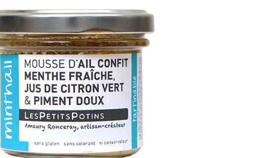 Mousse de ajo confitado con menta fresca y pimiento - Les Petits Potins
